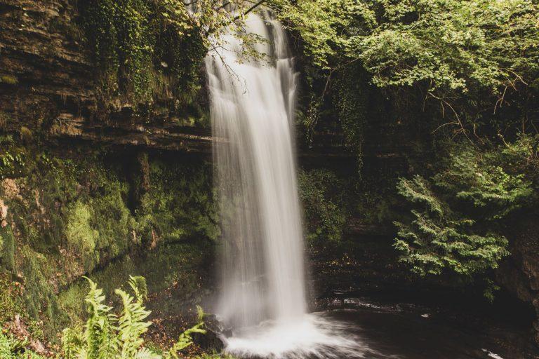 Leitrim : balade à la cascade de Glencar