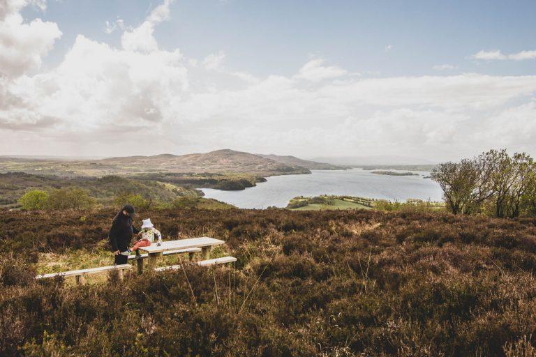 O'Rourke's table : légendes et vues panoramiques dans le Leitrim